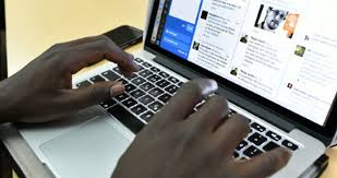 Femme Nigeria Internet Danger