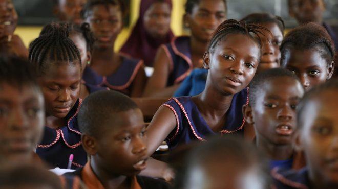 Sierra Leone : les étudiantes enceintes excluent du système éducatif