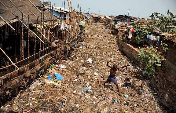Susan's Bay a été ravagé par les flammes à Freetown