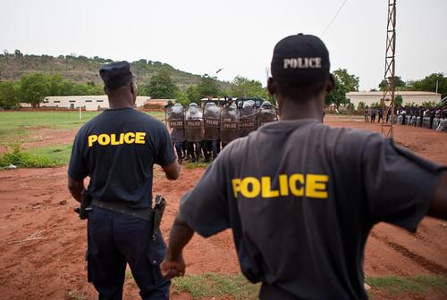 mali gouvernement condamne manifestation policiers armes - TribuneOuest
